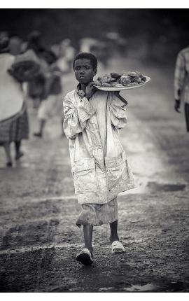 Fardeau d'une vie 06 - Photo noir et blanc d'art en Edition limitée, Ethiopie